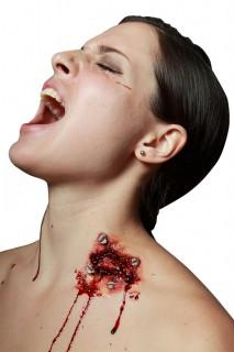 Verletzung mit Nägeln Horror Make-up haut