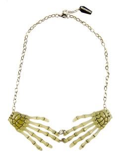 Kreepsville Gothic Halskette Skeletthände nachtleuchtend