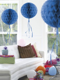 Waben-Ball mit Fransen Party-Deko blau 30cm
