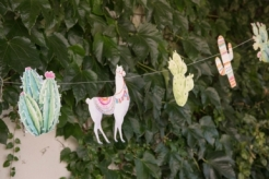 Lama-Girlande mit Kakteen Partygirlande 17x25x300cm