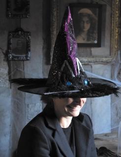 Hexenhut für Damen mit Katzenaugen Halloween-Accessoire schwarz-violett