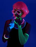 Party Zubehör UV leuchtende Partybox 80-teilig bunt