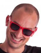 Brille mit getönten Gläsern rot