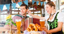 Oktoberfest Zuhause 2020: Gestalte deine eigene Wiesn mit Oktoberfest-Deko!